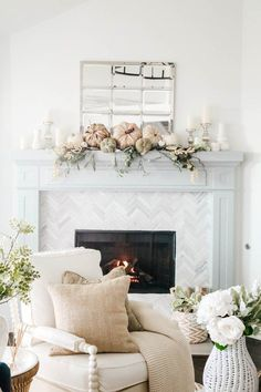 From plush pillows in seasonal hues to soft and cozy textures to tons of dried florals (yes, pampas grass is still a thing!), we've got all of your fall decorating needs covered. #hunkerhome #falldecor #falldecorideas #falldecorinspo #falldecorations Fall Living Room, Coastal Living Rooms, Boho Living Room, Living Room Decor, Home Bar Rooms, House Rooms, Escape Room, Fall Home Decor, Autumn Home