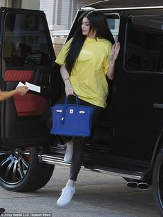 Kylie Jenner steps out in skintight leather trousers as she goes shopping in Beverly Hills | Daily Mail Online