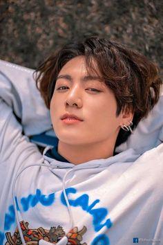 """Once angain, happy birthday jungkook💘"" Bts Jungkook, Jungkook Lindo, Bts Lockscreen, Foto Bts, Bts Photo, Jung Kook, Busan, Yoonmin, Admirateur Secret"