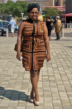 Street Style At 2013 Mercedes-Benz Fashion Week Joburg - South African Fashion.