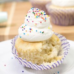 These never-fail bakery-style gluten free vanilla cupcakes are incredibly moist and tender. They can even easily be made dairy free, too! Used two eggs, coconut palm sugar and almond milk. Gluten Free Vanilla Cake, Easy Gluten Free Desserts, Gluten Free Cupcakes, Vanilla Recipes, Quick Easy Desserts, Gluten Free Baking, Healthy Dessert Recipes, Cupcake Recipes, Just Desserts