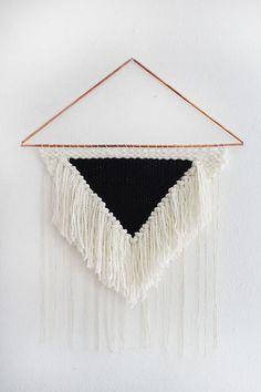 Weaving Class: Create A Large Statement Piece (via Bloglovin.com )