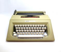26 best typewriters images on pinterest typewriters conditioning rh pinterest com Portable Manual Typewriters Maual Typewriter