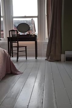 Flooring for Bedrooms Bedroom floor in Wimborne White An inspirational image from Farrow and Ball A Grey Wooden Floor, Painted Wooden Floors, Bedroom Wooden Floor, Grey Floor Paint, Diy Flooring, Bedroom Flooring, Kitchen Flooring, Penny Flooring, Garage Flooring