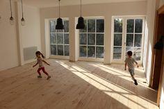 Házprojekt: hajópadló A-tól Z-ig Home, Renovations, Old House, Windows And Doors, Flooring, Windows, House, Wood Floors, Home And Family