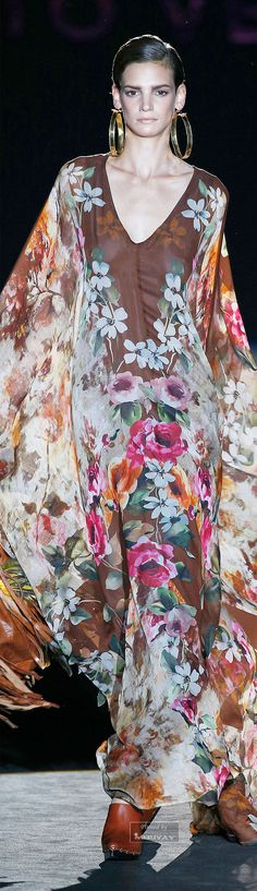 http://www.trendzystreet.com/clothing/dresses - Roberto Verino Spring-summer 2015 I think I could wear this forever!