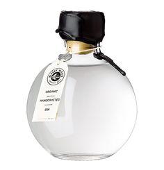 Gin Bottles, Glass Bottles, Perfume Bottles, Whisky, Gins Of The World, London Gin, Spirit Photography, Gin Distillery, Gin Brands
