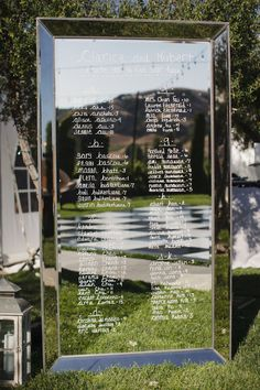 Mirror Seating Chart | Photography: Stephanie Williams