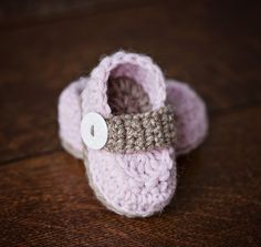 Ravelry: Baby Loafers pattern by Mon Petit Violon