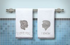 Star Wars Han and Leia Bathroom Hand Towels Officially-licensed Star Wars merchandise. Star Wars fans will love this. Cocina Star Wars, Regalos Star Wars, Choses Cool, Star Wars Bathroom, Star Wars Kitchen, Great Gifts For Guys, Hand Towels Bathroom, Bath Towels, Master Bathroom