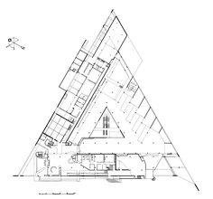 """Résultat de recherche d'images pour """"batiment de forme triangulaire"""""""