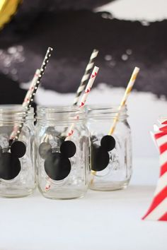 Take a look at this Classic Mickey Mouse Birthday Party and see why I am beyond smitten! Kara's Party Ideas is the place for Mickey Mouse ideas! Theme Mickey, Fiesta Mickey Mouse, Mickey Mouse Photos, Classic Mickey Mouse, Mickey Y Minnie, Birthday Party Drinks, 2nd Birthday Party Themes, Elmo Party, Elmo Birthday
