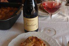Existem 4 vinhos da Emília Romanha que você não pode deixar de conhecer. Eles acompanham perfeitamente pratos típicos além de fazer parte da cultura local.