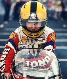 Back to the style Joey Dunlop Old School Motorcycles, Racing Motorcycles, Flat Track Motorcycle, Motorcycle Bike, Grand Prix, Guy Martin, Vintage Bikes, Retro Bikes, Isle Of Man