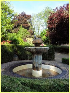 From Royal Leamington Spa in 1941, volunteers from free Czechoslovak forces stationed in the town were parachuted into their homeland to rid it of the tyrant protector SS Gen Heydrich.  Jan Kubis and Joseph Gabcik achieved this mission in May '42.  This fountain is a tribute to all that fell for freedom.