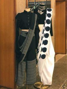 Beautiful Khadi Saree with modern drape. Trendy Sarees, Stylish Sarees, Fancy Sarees, Saree Draping Styles, Saree Styles, Drape Sarees, Khadi Saree, Saree Blouse, Sari Blouse Designs