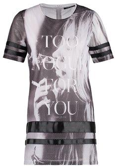 http://www.zalando.de/fame-on-you-paris-t-shirt-print-black-fy021c000-q11.html