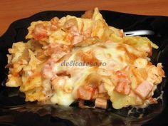 Ravioli cu brânză, şuncă, piept de pui, ciuperci şi suc de roşii Ravioli, Hawaiian Pizza, Cauliflower, Cabbage, Food And Drink, Pasta, Vegetables, Cooking, Recipes