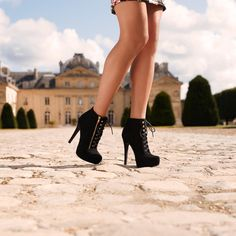 Heeled booties go well with the streets of Paris