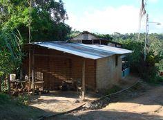 1000 images about casas de bahareque on pinterest en for Casa con piscina quebrada alvarado