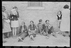 the great depression   ReliefLines in San Antonio during the Great Depression)