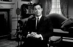 """Ma Bruce Lee, alla fine, di chi é? Vi ho raccontato a volte del mio primissimo """"maestro"""" di Kung Fu, di quanto sia stato scorretto nell´insegnare senza avere un minimo di preparazione ed esperienza reale. Dei suoi tentativi di speculazione attraverso chiacchiere ed inganni volti a spillare soldi... Continua su http://www.kungfulife.net/blog/ma-bruce-lee-alla-fine-di-chi/"""