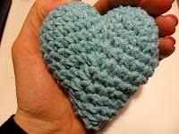Kriik: Virkattu sydän Beanie, Crochet, Hats, Fashion, Crochet Hooks, Moda, Hat, Fashion Styles, Beanies