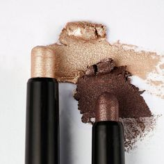Which eye shadow is better - gold or bronze? Vote below! Oriflame Beauty Products, Oriflame Cosmetics, Everyday Eyeliner, Bronze Eyeshadow, Eyeshadow Makeup, Waterproof Eyeshadow, Beauty Companies, Stunning Makeup, Dramatic Eyes