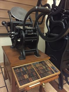 Type Posters, Printing Press, Type Setting, Antique Prints, Types Of Wood, Letterpress, Pilot, Typography, Miniatures