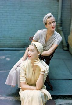 Models in Joset Walker - 1950- New York - Photo by Genevieve Naylor