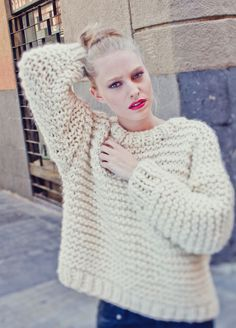 Nolita Sweater THE NOLITA SWEATER IS THE 'IT' PIECE OF CLOTHING FOR THIS SEASON, AN OVERSIZE SWEATER THAT IS TIMELESS AND EASY TO KNIT. DEFINITELY, ONE OF THE MOST SPECIAL KITS. #Knitting #Crochet #HandcraftedGifts