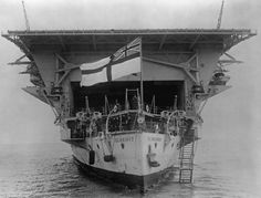 Photos of HMS Glorious as constructed as a battlecruiser and later after her conversion to an aircraft carrier in the Royal Navy Aircraft Carriers, Navy Carriers, Naval History, Us History, Ancient History, American History, Native American, British Aircraft Carrier, Merchant Marine