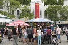 Elk jaar op de Tilburgse Kermis is de kermisexpositie in het paleisraadhuis gratis te bezoeken. Circa 20.000 bezoekers per jaar kijken hier hun ogen uit.