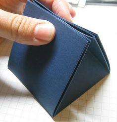 Triangle gift box - origami