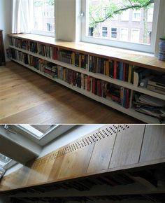 Boekenkast voor verwarming weggewerkt.