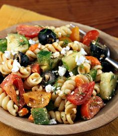 Greek+pasta+salad   omg, I want that in my belly right now