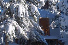 No Vale do Rossim Eco Resort, em pleno coração do Parque Natural Serra da Estrela, vai viver uma expeiência úncia. Aceite o convite e passe um fim de semana numa yurt! #viaverde #viagensevantagens #Portugal #neve