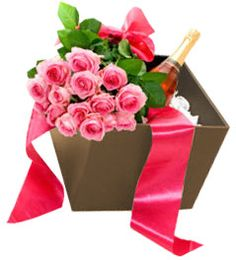 Learn in details about how the gifts and flower delivery services in Calgary offers a range of customized flowers and gifts for all occasions. Get to know about the gift wrapping solutions as well.