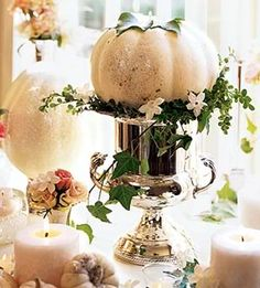 Beautiful tablescape for the holiday @ Under the Table and Dreaming