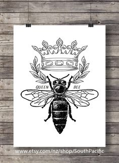 Vintage Bee print bee honey illustration Printable art vintage style antique bee print home decor Printable wall art vintage bee art Queen Bee Tattoo, Estilo Beyonce, Honey Bee Tattoo, Vintage Bee, Vintage Style, Motifs Animal, Bee Art, Bees Knees, Queen Bees