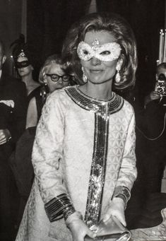 Lee Radziwill's Best Style Moments: Timeless American Elegance in Pictures | W Magazine | Women's Fashion & Celebrity News Lee Radziwill, Jackie Kennedy, Jaqueline Kennedy, Richard Meier, Robin Williams, Vogue Paris, Her Style, Cool Style, Caroline Lee