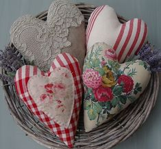 Pretty handmade fabric hearts for your Valentine. Valentines Day Hearts, Valentine Day Love, Vintage Valentines, Valentine Crafts, Valentine Pillow, Fabric Hearts, Lavender Bags, Heart Day, Heart Crafts