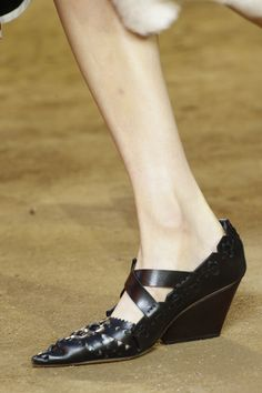 Spring 2016 Shoe Trends: Sandals, Sneakers, and Heels from Fashion Week: Glamour.com