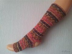 Yoga Socken hand gestrickt, gestreift rot, tanzen, Pilates, deutsche Qualitätswolle von LiMariann auf Etsy