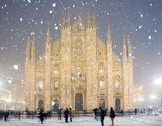 winter wonderland, Duomo Cathedral in Milan, Italy