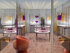 New concept La Perla boutique at Via Montenapoleone, Milano. Showroom, Lingerie Store Design, Cool Retail, Underwear Store, Storing Clothes, Commercial Design, Retail Design, Visual Merchandising, Interior Design