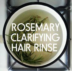 Get Shinier Hair Naturally with this amazing Rosemary Clarifying Hair Rinse- Green Beauty Team Natural Hair Care, Natural Hair Styles, Natural Beauty, Rosemary For Hair, Dull Hair, Hair Rinse, Beauty Recipe, Shiny Hair, Utila