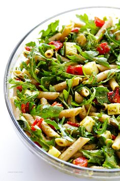 Lunch Box Ideas | 5 Ingredient Pasta Salad Recipe -- quick and easy to prepare, and full of the BEST Italian flavors. Perfect for potlucks, picnics, or just a regular weeknight dinner. | gimmesomeoven.com