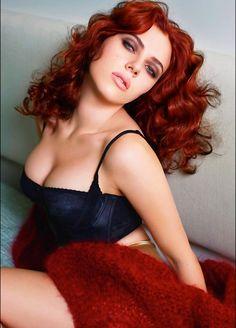 Scarlett Johansson for Vogue looks so good as a redhead...