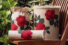 vasi con rose